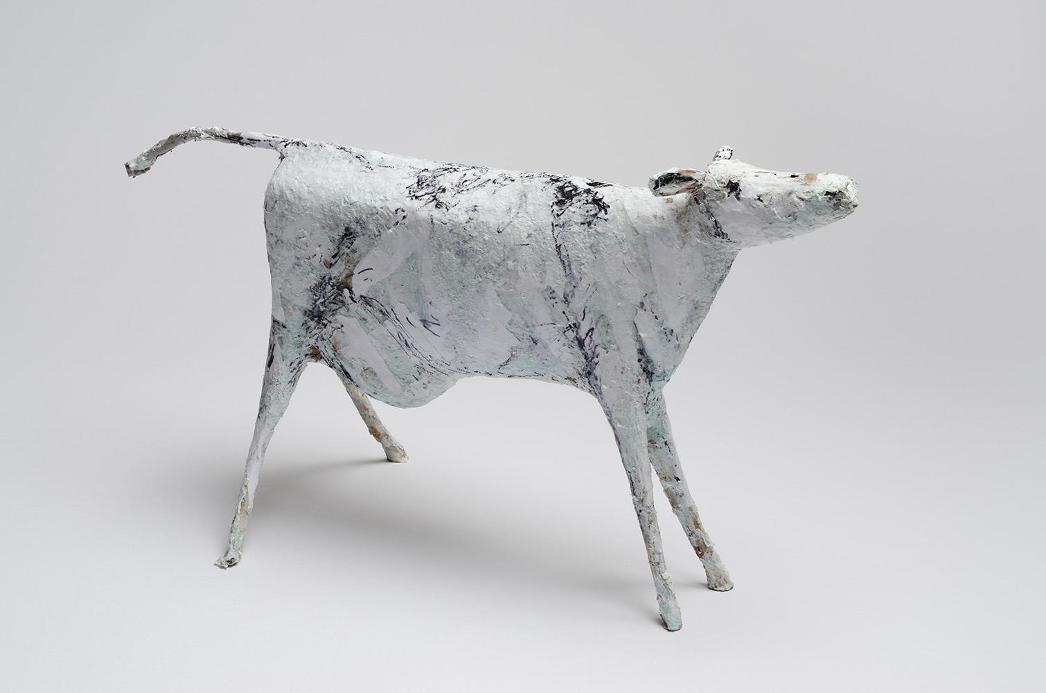 Galerie Delfi Form, Melkkoe, gemengde techniek, 25 cm hoog