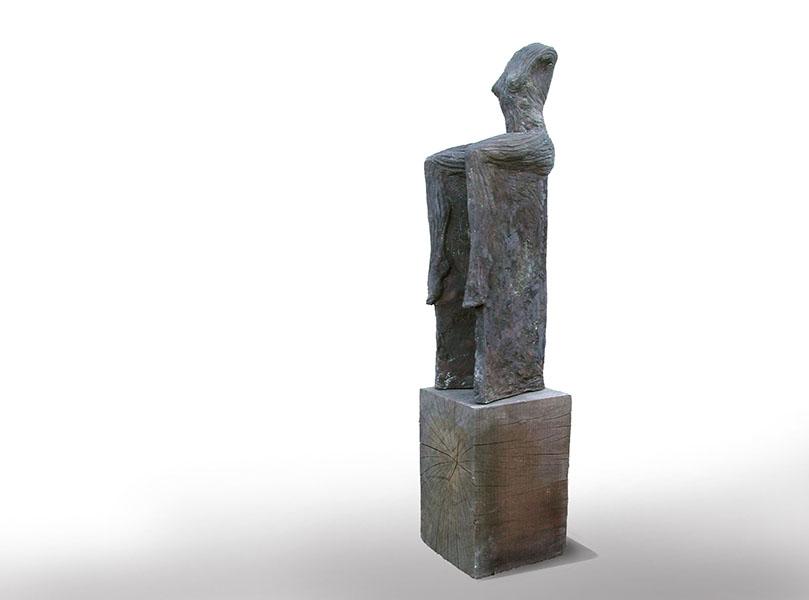 Zittende vrouw, brons, 64x26x22 cm (zonder onderstuk)