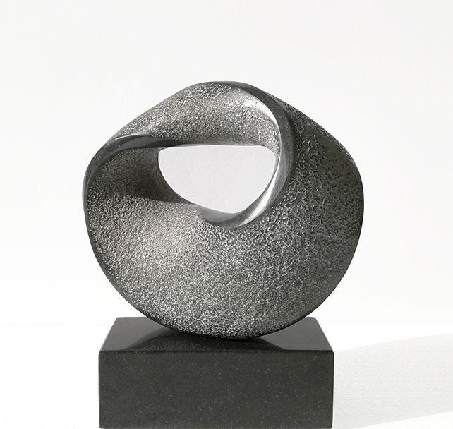 Zwart Ovaal, graniet 28x24x9 cm, verkocht