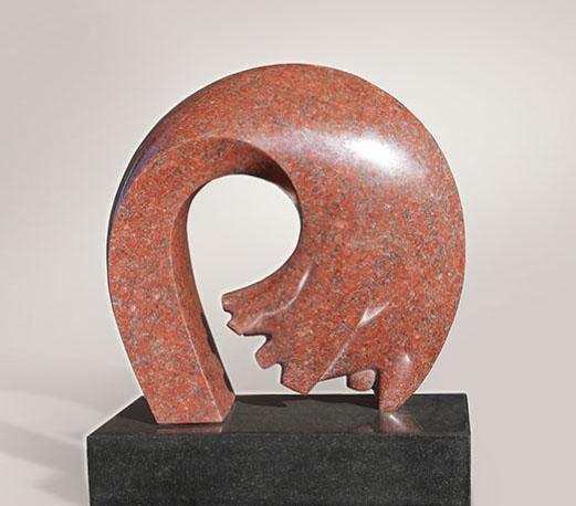De rode Boog, graniet 48x40x20 cm