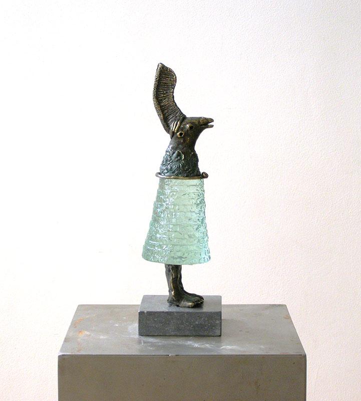 Oelige Jocus, glasobject met brons en tin, verkocht