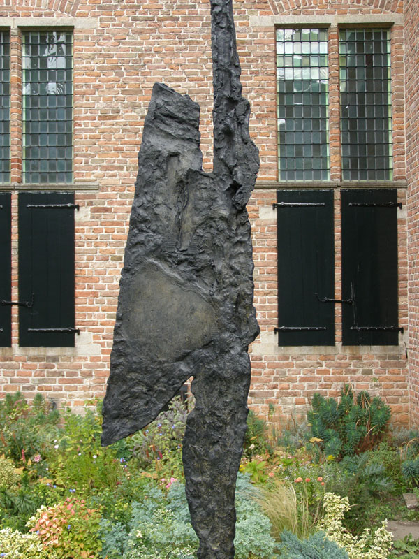 Oiseau, brons, 250 cm hoog
